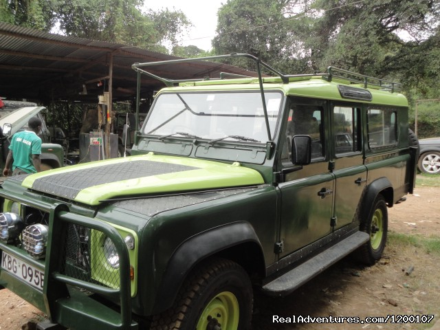 Defender,Land Rover, 4x4 Safari,4WD Hire,Land Rover Defender - Camper Hire,RoofTent Hire,4x4 Kenya,Kenya Car Hire