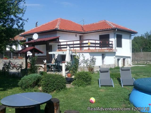 Three bedroom house with garden nr Veliko Tarnovo: