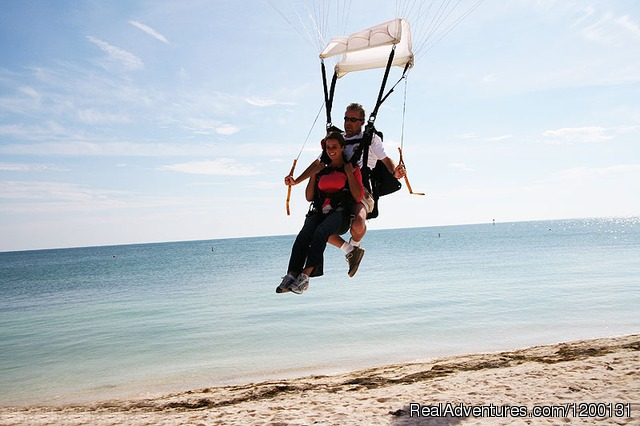 Image #4 of 10 - Skydive over the Florida Coastline