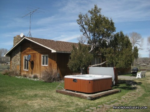 Accommodations W/ Hot Tub - Montana Summer & Winter Vacations