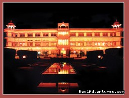 Hotel Umaid Lake Palace - Jaipur