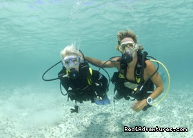 Happy Divers in amazing visbility - Dive and Snorkel in beautiful Saint Martin
