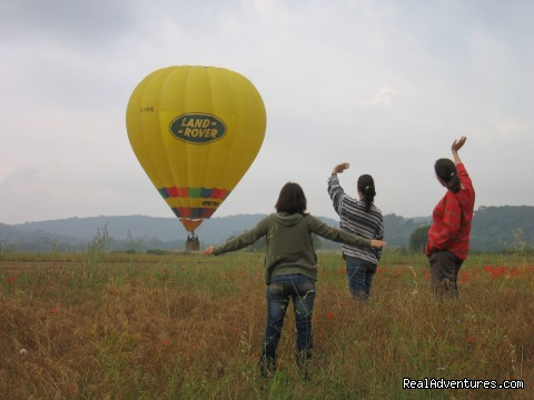 Great Vacations & Exciting Destinations - Hotair Ballooning in Barcelona & Pyrenees