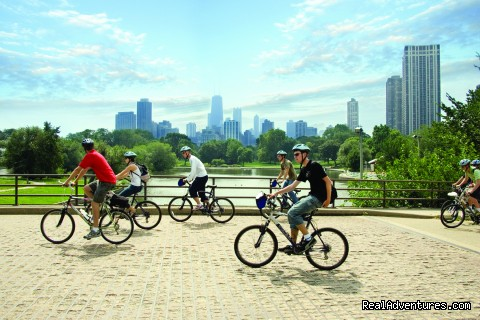 Friendly Neighborhoods Tour - Bike and Roll Chicago