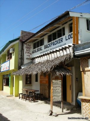 Low Budget Backpacker Hostel Moalboal, Philippines Bed & Breakfasts