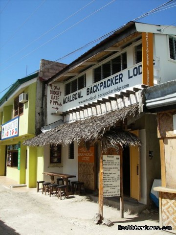 Low Budget Backpacker Hostel Bed & Breakfasts Moalboal, Philippines