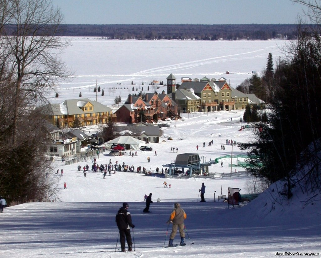 Calabogie Peaks is Eastern Ontario's premier mountain, lake and wilderness resort. Getaway with your family to take part in all of our seasonal activities. From skiing, snowboarding and tubing to golfing, hiking, mountain biking, canoeing, swimming