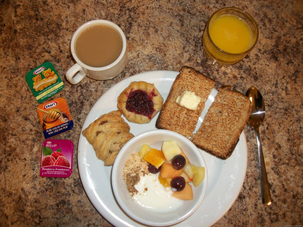 Complimentary continental Breakfast | Image #11/15 | Brewster's Mountain Lodge