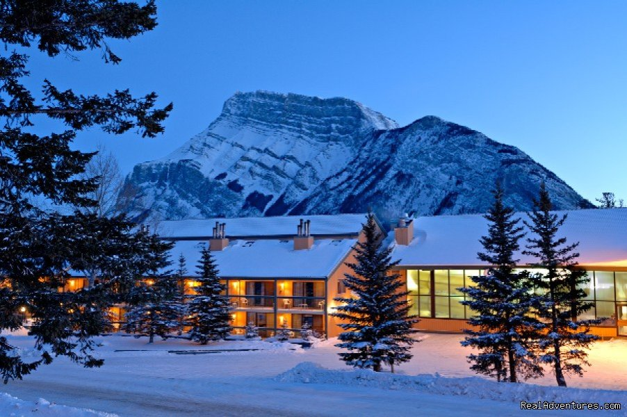 Banff's Finest Family Accommodation featuring 2 Giant Indoor Waterslides and a Huge indoor kids playzone. All rooms have full kitchen and new Flat screen T.V. and DVD.