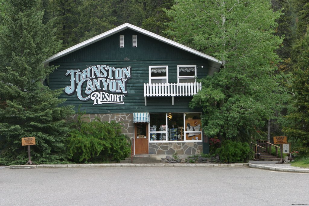 Super Location between Banff and Lake Louise in Banff National Park providing classic cabin accommodation next to a spectacular trail leading to 7 waterfalls. Dining room, coffee shop, giftshop available onsite. Visit  our website for more details.