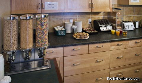 Free Continental Breakfast (#5 of 5) - Red Carpet Inn