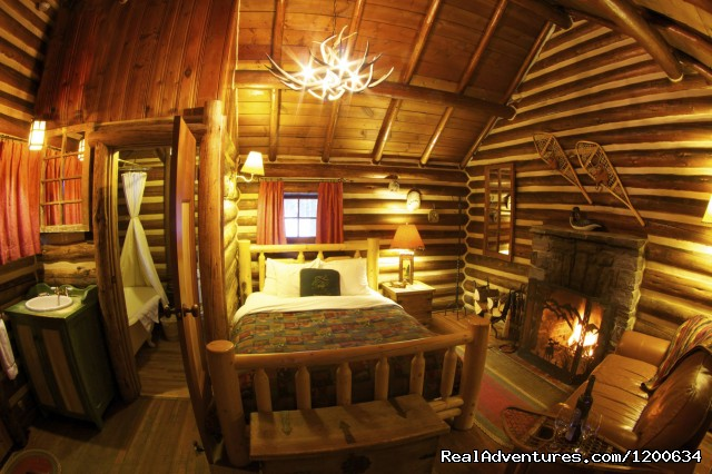 Log Cabin Interior - Storm Mountain Lodge and Cabins