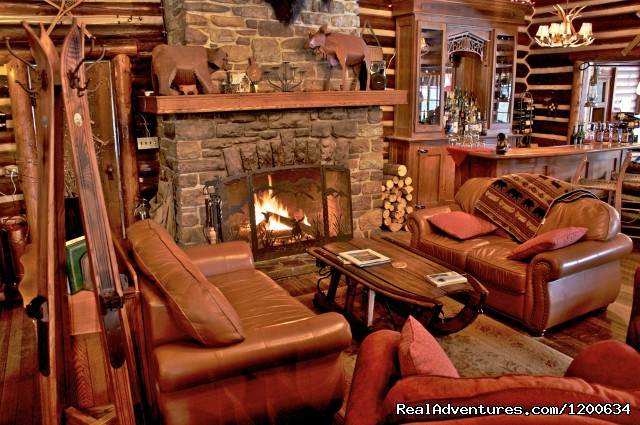 Lodge Interior - Storm Mountain Lodge and Cabins
