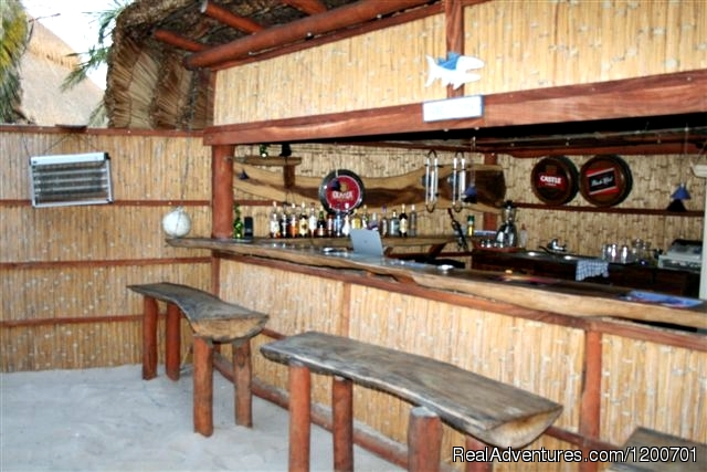 Dinning area in the selfcatering woodenhouse. - Casa Chibububo Lodge, Vilanculos, Mozambique.