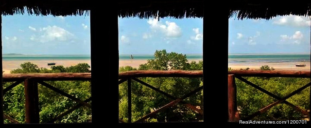 View from inside the 8 sleeper at low tide - Family holiday at Casa Chibububo Lodge, Vilanculos