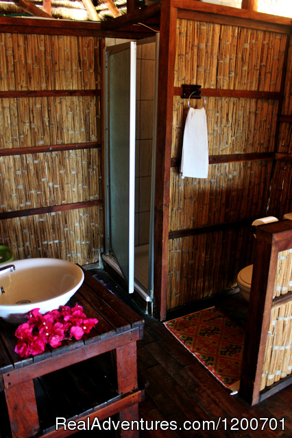 Bathrooms - shower only - Family holiday at Casa Chibububo Lodge, Vilanculos
