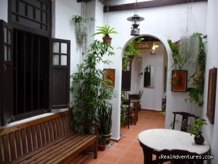 Courtyard - Cyclamen Cottage, a heritage hotel in Melaka B & B