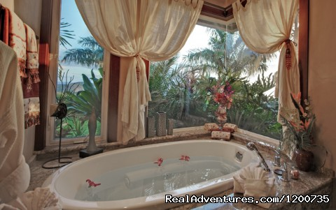 Master Suite Bath - ''Majestic Maui'' Resort Estate