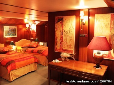 Luxurious Suites - Dream Cruise on the French Burgundy canal
