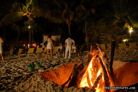 Bonfire at the beach -  Look out over paradise at the Mayan Princess!