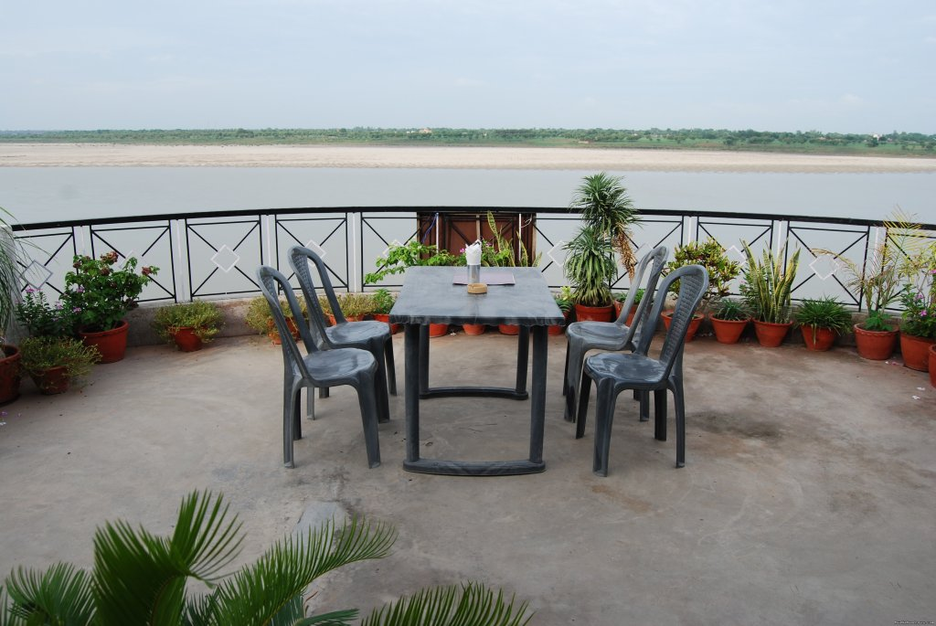 Roof top restrurent | Image #4/6 | Rahul guest house & hotels