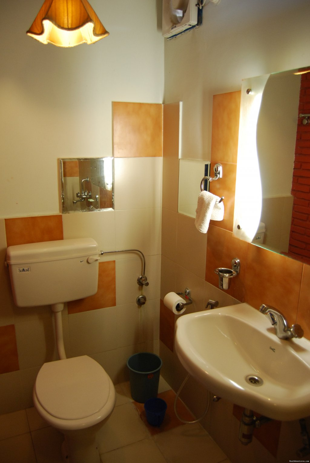Bathroom | Image #6/6 | Rahul guest house & hotels