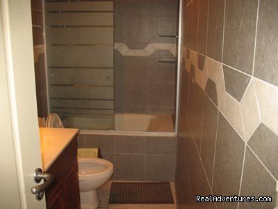 Shared bathroom with 3 rooms | Image #2/3 | Shared Flats Apartments rentals Miraflores Rooms