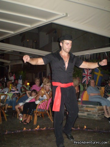 greek night fun - fantastic family holidays at Hotel Yianna Agistri