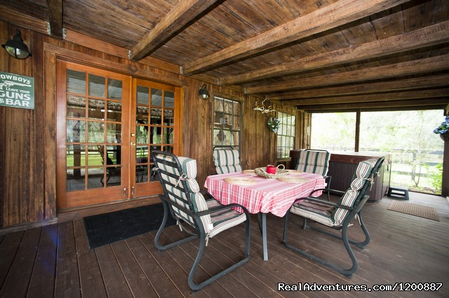 Screened Patio - Romantic Horseback Riding Getaways