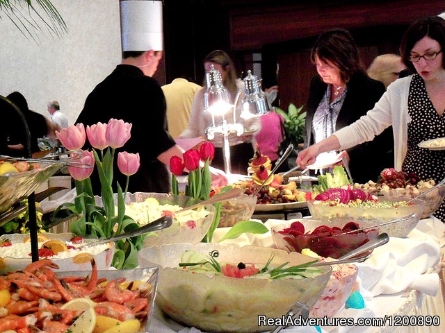Sunday Brunch in Salmon Run - Romantic & Family Vacation Getaway, Wine Tours