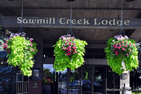Sawmill Creek Lodge - Romantic & Family Vacation Getaway, Wine Tours