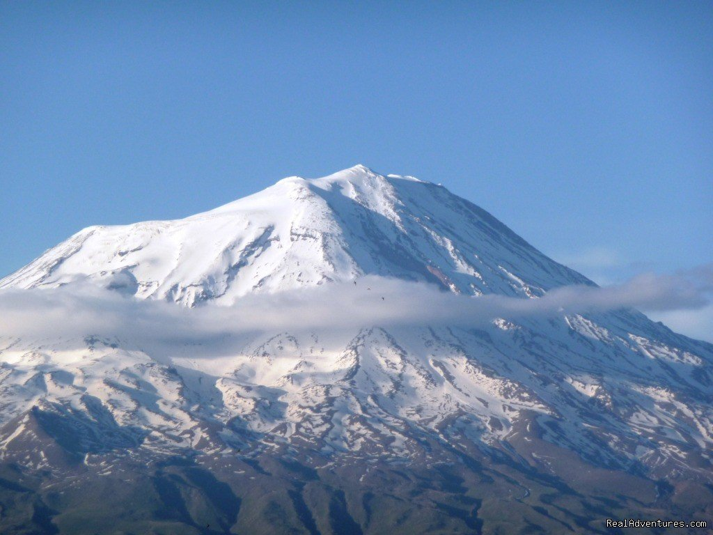 Mt Ararat Trekking is a standard four day hike, although some people manage to climb to the top in three.. We arrange all equipment for the climb including tents, sleeping bag,pickaxe, hand lamp, mountaineering clothing and shoes. with Alkans Tour.