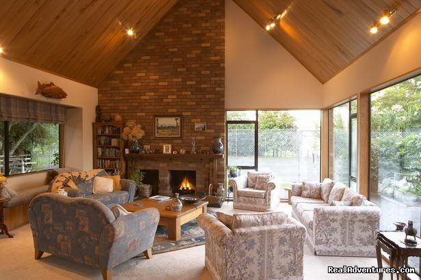 A Panoramic Country Homestay - Guest Lounge room