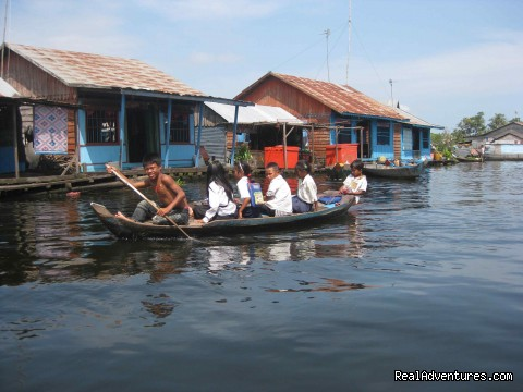 Image #4 of 8 - Floating Village and Bird Watching Tour