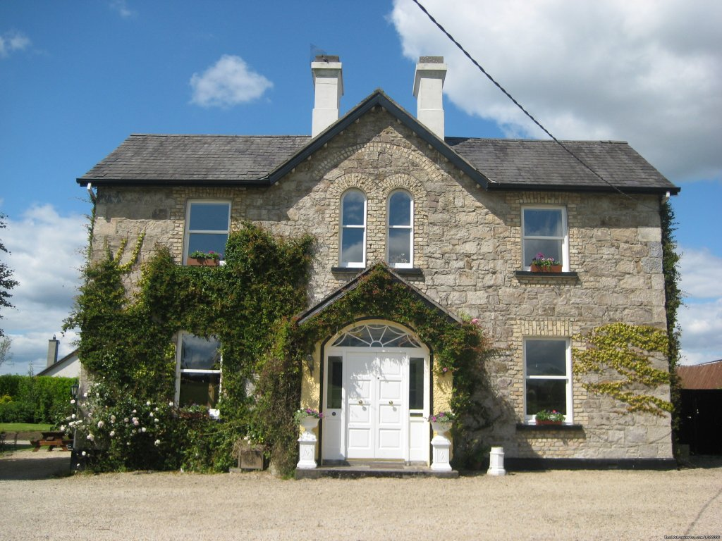 Country House Bed and Breakfast, good food, great walks in the Slievebloom mountains. Activities, walking trails, horse-riding, golf, heritage sites. Near Kinnitty Castle, Leap Castle, Birr Castle Gardens Telescope, Clonmacnoise, Lough Boor Parklands