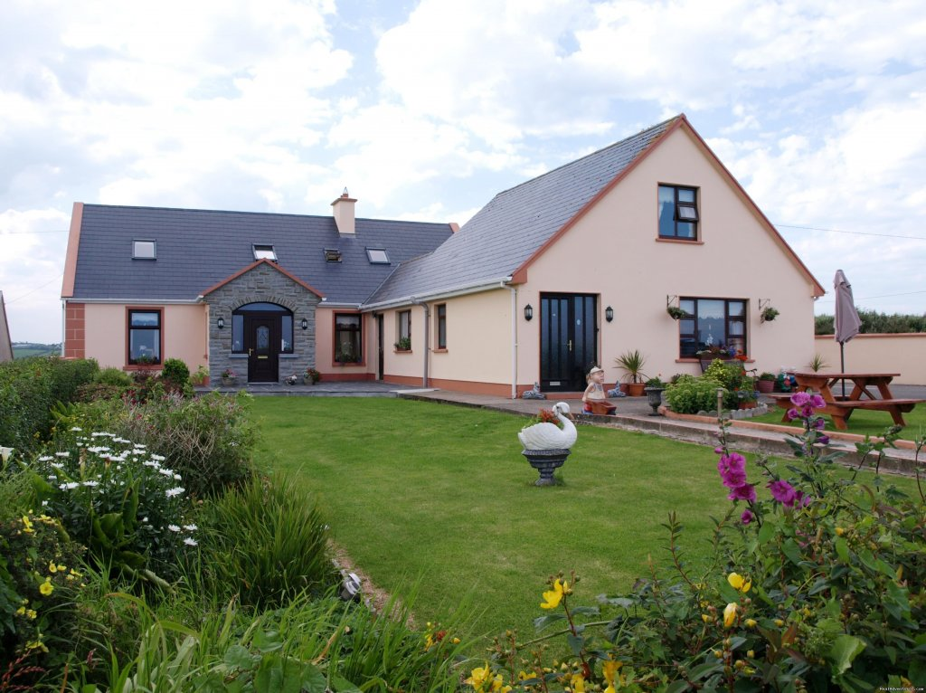 Sea Crest Farmhouse B&B is situated off the N67 close to beach with splendid views of the Atlantic and Aran Islands.  We have 4 ensuite rooms, farm animals and quiet walks.  Most rooms have sea views, tea/coffee making facilities and tv.