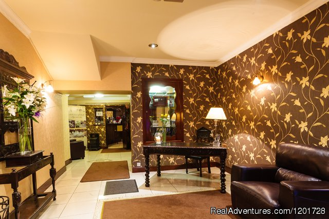 Our Lobby - Cawley's Guesthouse HOTEL