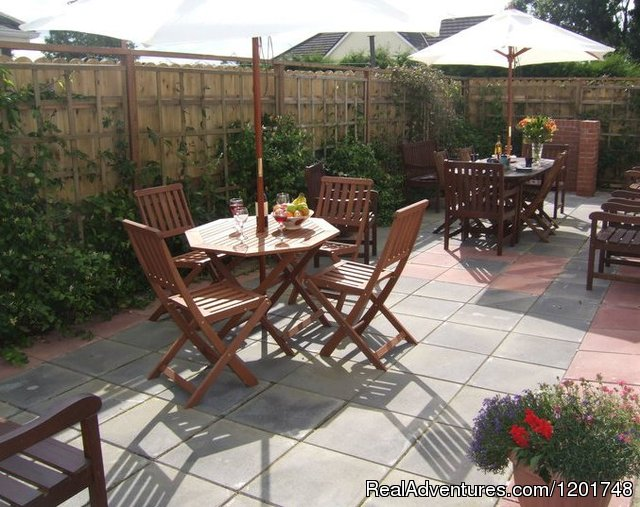 Decking area - Grennans Country House & Cottages
