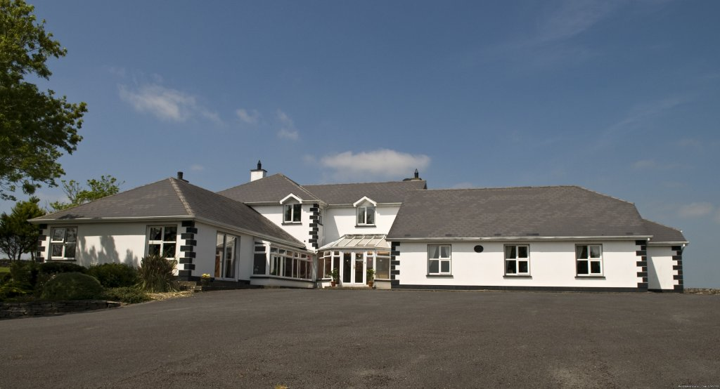 Grovemount with adequate and free parking. | Image #5/6 | Grovemount House for Serenity and Total Relaxation