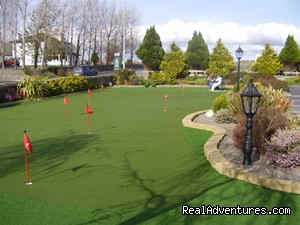 Synthetic putting Green - Augusta Lodge