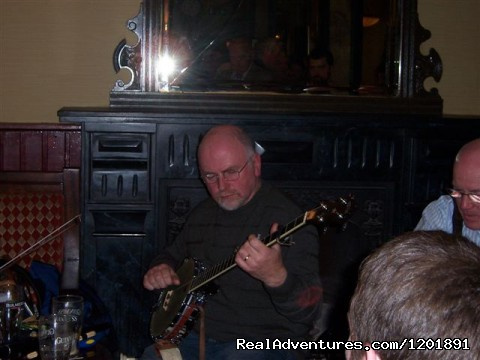 Blarney Castle Hotel: Traditional Music in Bar