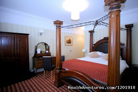 Four Poster Bedroom - Castle Hotel