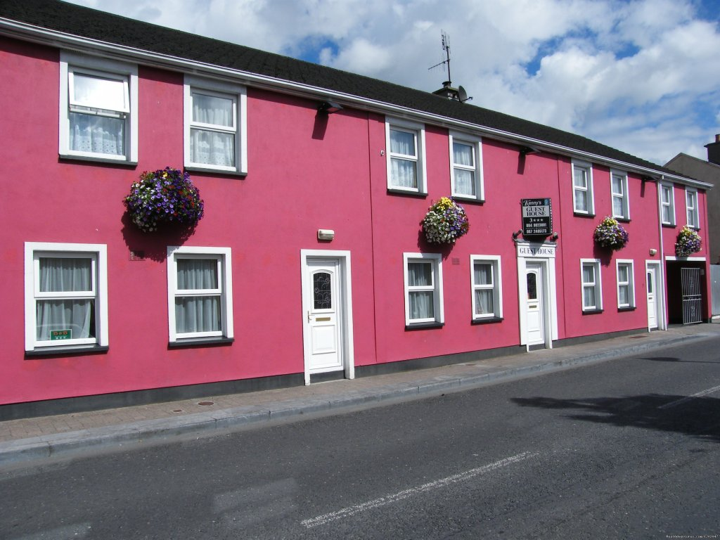 3 Star Failte Ireland registered Guest House.   Situated in the centre of town with secure parking.  Close to the Theatre & Hospitals.