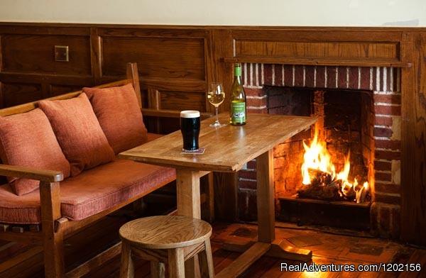 Renvyle House Hotel Bar - Romantic country House Hotel by the sea.