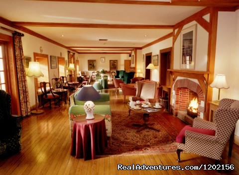 Original House - Long Lounge. - Romantic country House Hotel by the sea.