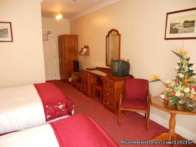 Image #2 of 7 - Rhu Glenn Country Club Hotel