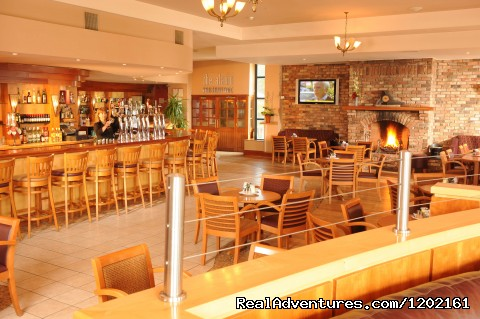 The Promenade Bar - Riverside Park Hotel and Leisure Club