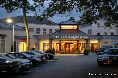 Ardilaun Hotel, Conference Centre & Leisure Club: Ardilaun Exterior