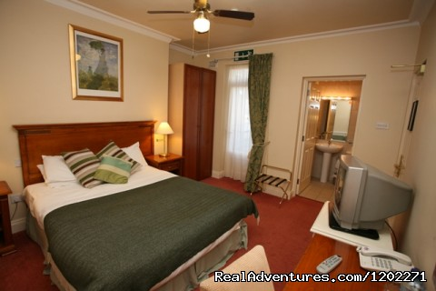 - Lismar Guesthouse & Serviced Apartments