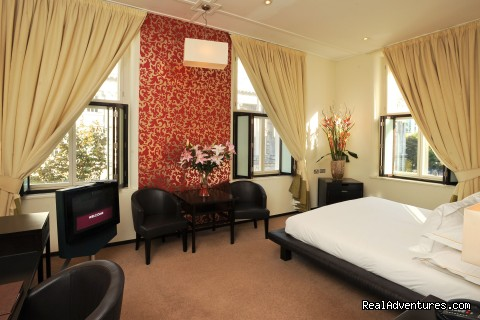 Ten Square Luxury Hotel Deluxe Room
